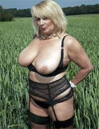 Visit Real Amateur Mature Wives Vote .
